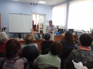 Общее дело на Дне пожилого человека в библиотеке №15 города Воронежа Елена Косякова