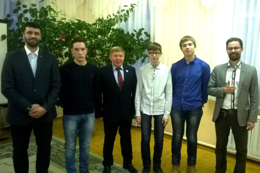 Активисты СРОО «Общее Дело» провели рабочие встречи с родителями, учащимися  и волонтерами школ города Лесной Свердловской области по вопросам алкогольной и табачной зависимости
