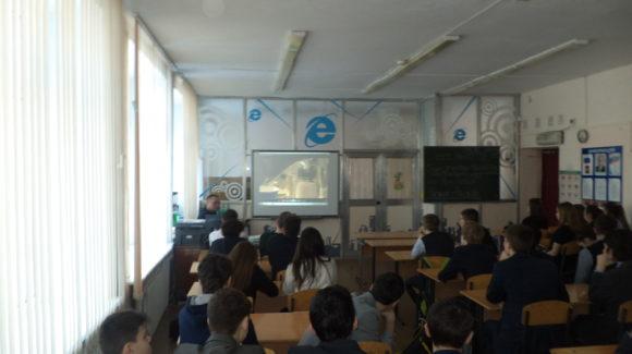 Активисты Общероссийской общественной организации «Общее дело» провели лекцию о трезвости в общеобразовательной школе города Ульяновск