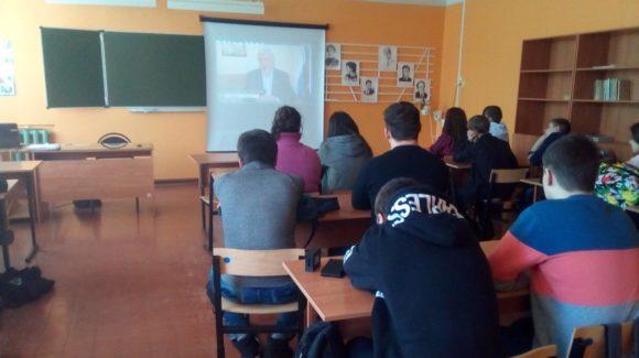 Активисты ООО «Общее дело» встретились с учащимися Нововилговской средней школы № 3