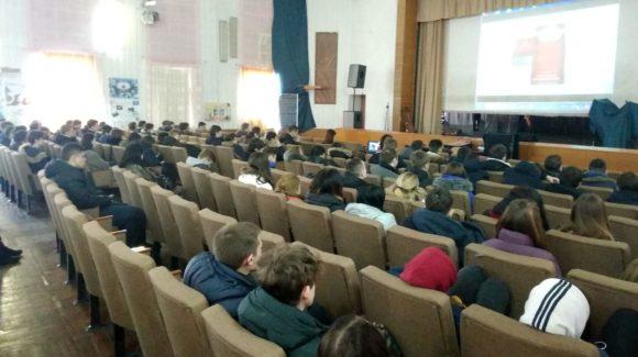 Активисты ООО «Общее дело» провели интерактивное занятие, приуроченное ко Всемирному дню борьбы с туберкулезом, для студентов Донецкого техникума промышленной автоматики
