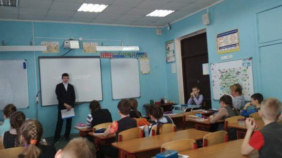 Школьник из 7-го класса выступил лектором на занятии, организованном  ОО «Общее дело» в городе Череповец