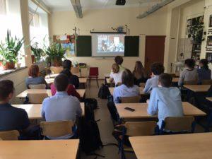 Десятиклассники из Гимназии № 8 города Дубна Московской области обсудили фильм ОО «Общее дело» - «Секреты манипуляции. Табак»