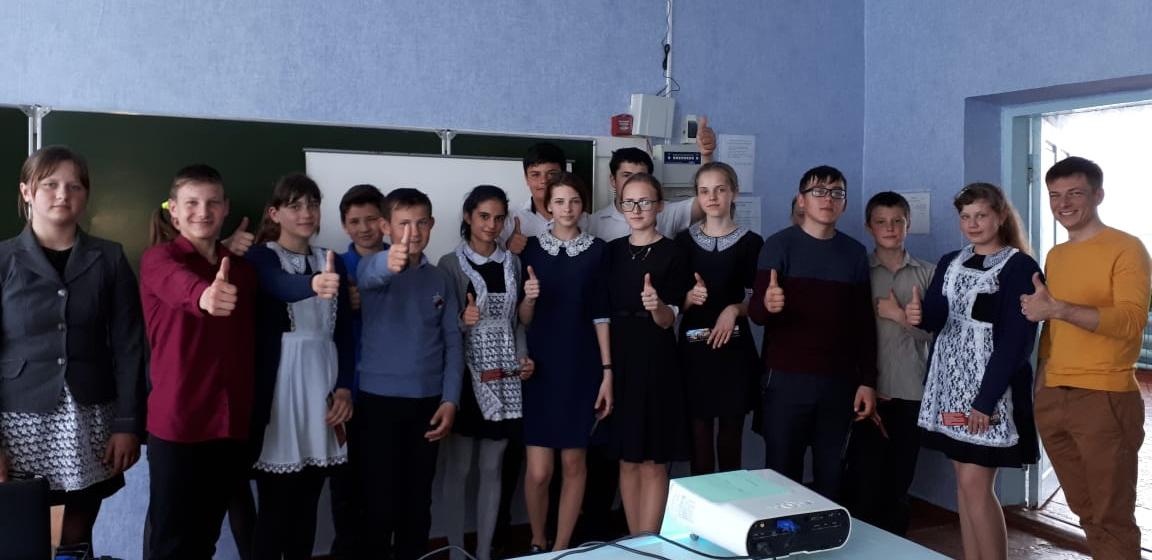 Общее дело в Первомайской основной общеобразовательной школы Милютинского района Ростовской области