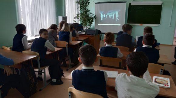 Волгоградское отделение ОО «Общее дело» проводит занятия в учебных заведениях города