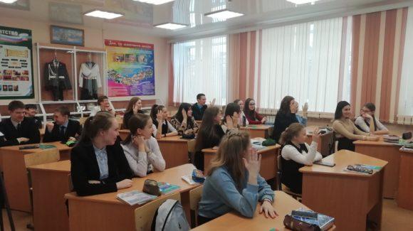 Участие волонтеров школы №2 г.Сарапула в муниципальном проекте «Здоровые дети – общее дело»