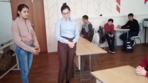 «4 ключа к твоим победам» в Славянской средней школе от волонтерского отряда «Новое поколение»