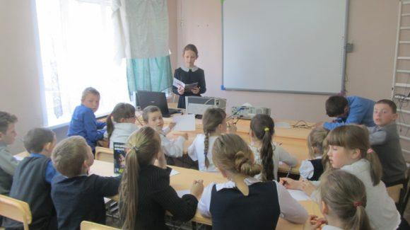 Занятия по типу «сверстник — сверстнику» в Сусанинской и Сумароковской школах