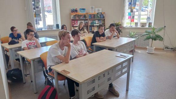 Всемирный день без табака — встреча с подростками в городской библиотеке г.Альметьевска