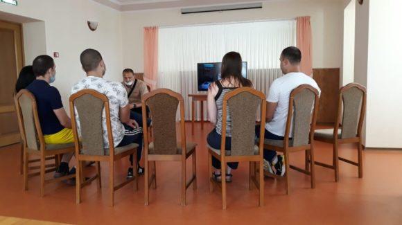 Продолжаются занятия с подростками, состоящими на учете Комиссии по делам несовершеннолетних г.Альметьевска