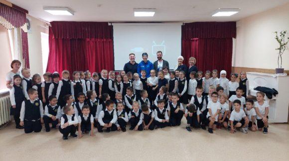 Занятия с первоклассниками самарской школы «Яктылык»